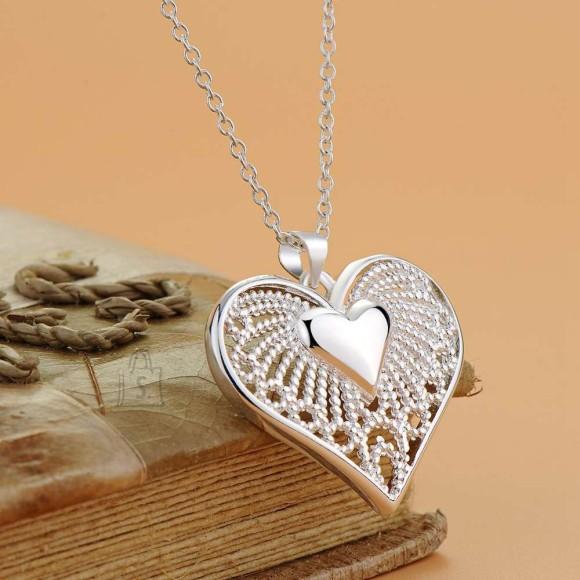 Kaelakett südamekujulise ripatsiga
