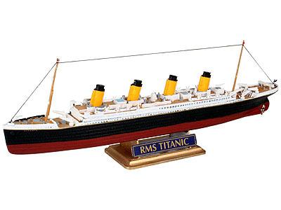 Revell mudellaev R.M.S. Titanic 1:1200