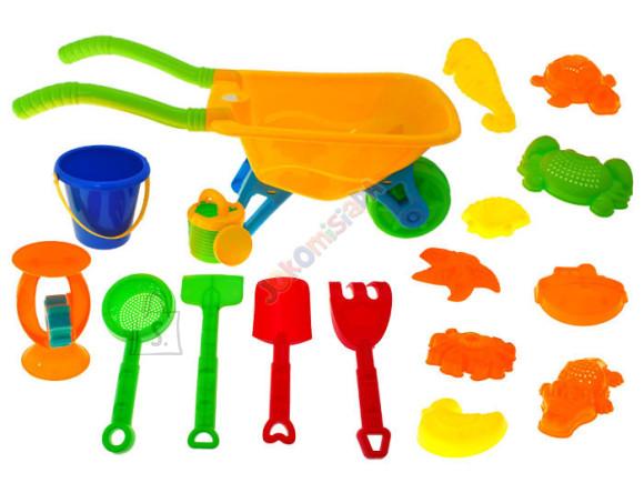 Aiakäru koos liivakasti mänguasjadega