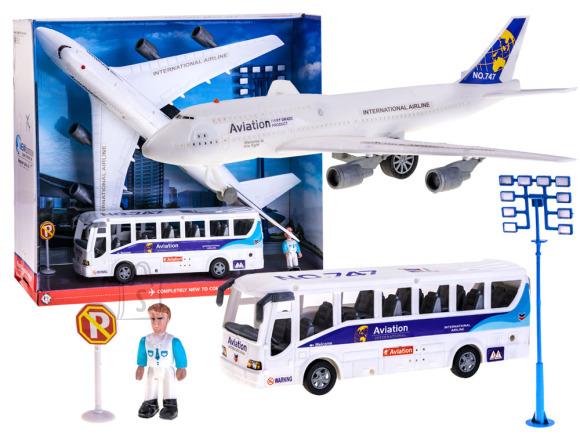 Lennuki ja bussi mängukomplekt