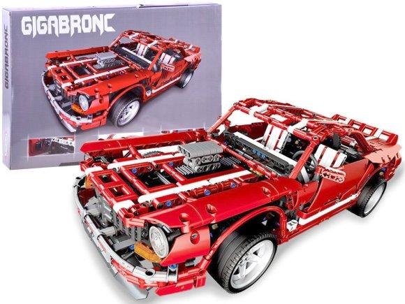 Auto konstruktor Gigabronc 2000 osa võidusõiduauto