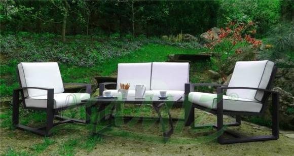 Aiamööbli komplekt Modern. Laud + diivan + 2 tooli