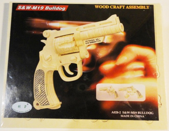8018. 3D PUITPUZZLE PÜSTOL S&W-M19 BULLDOG A028-2