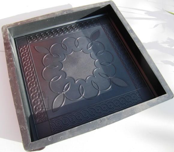 PLASTVORM PLAAT  40,0 x 40,0 x 5,0 cm (ornam.lill keskel)