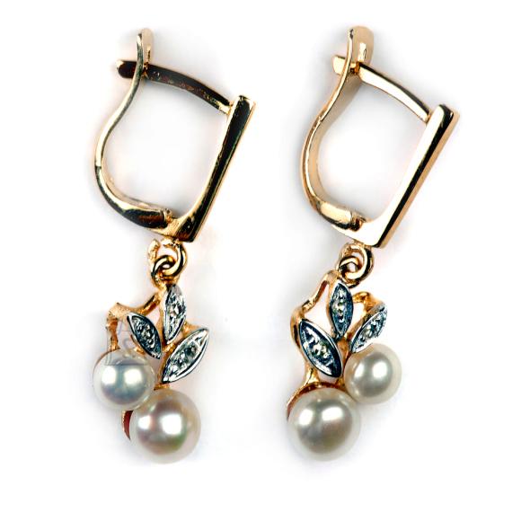 Kullast kõrvarõngad magevee pärlite ja teemantitega