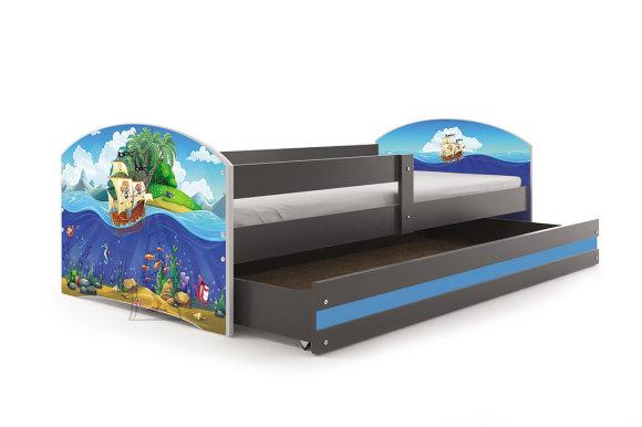Lastevoodi voodipesukastiga Piraadid