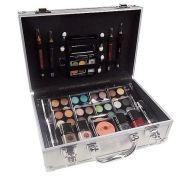 Makeup Trading alumiiniumist meigitoodete kohver 72 g