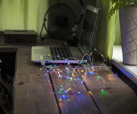 """Star USB Valguskett """"Kastetilgad"""" . 100 LED tuld, värviline, läbipaistev kaabel.Pikkus 5m, toitejuhe 1m,-pinge 5V DC"""