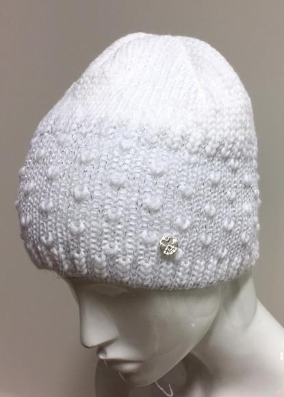 Naiste müts läikivate hõbeniitidega.