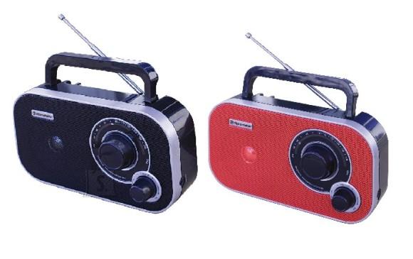 Roadstar TRA-2235 kaasaskantav raadio