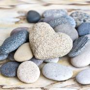 Salvrätikud kividega mere kaldal