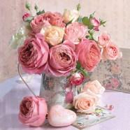 Salvrätikud roosid vaasis