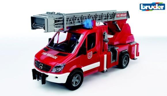 Bruder mängu tuletõrjeauto redeliga