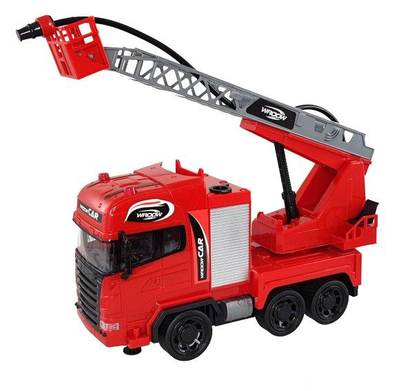 Puldiga tuletõrjeauto vettpritsiv