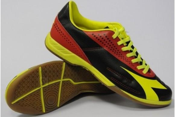 Diadora noorte saalijalgpalli jalatsid 750 III ID JR.