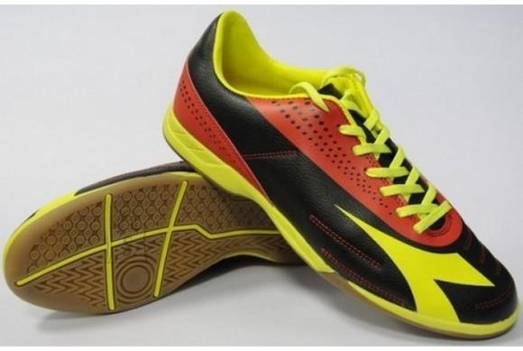 Diadora meeste saalijalgpalli jalatsid 750 III ID