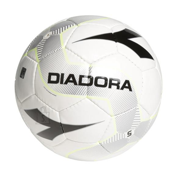 Diadora jalgpall GENIO