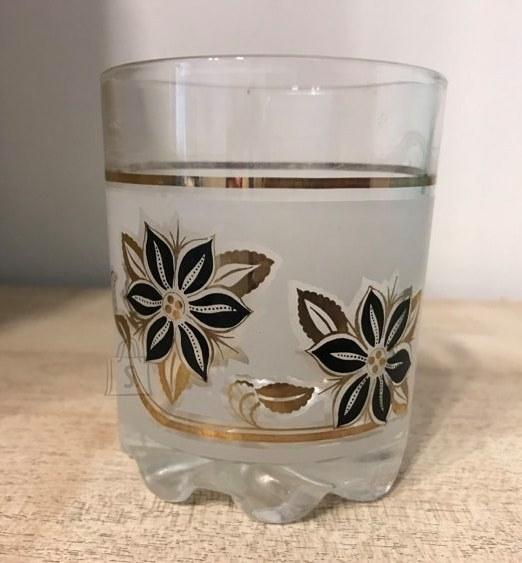 Klaas lilledega